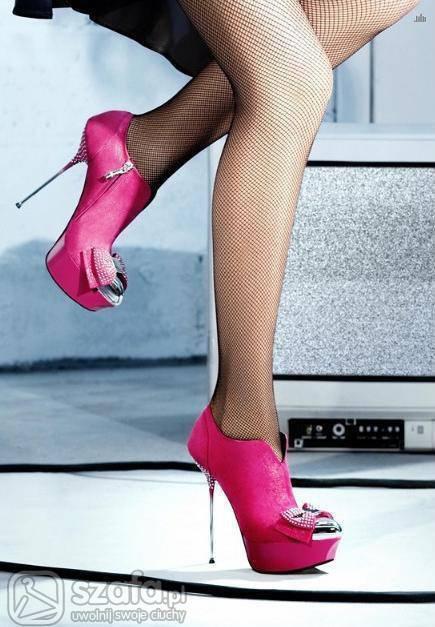 Женская шикарная обувь на шпильке фото