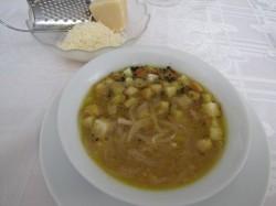 Pyszna i łatwa zupa cebulowa