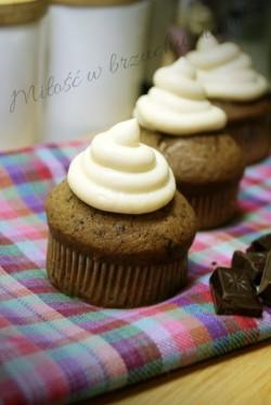 Babeczki czekoladowe z kremem mascarpone