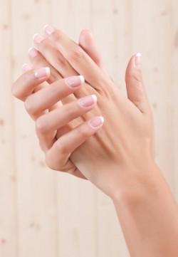 co na rozdwajające paznokcie> RATUNKU.