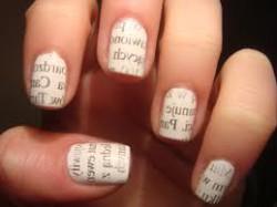 Gazetowe paznokcie