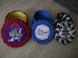 Koszyczki z papierowej wikliny