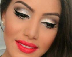 Sylwestrowy make up - kilka propozycji + instrukcja jak zrobić smoky eyes.