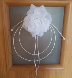 Biały, bialutki... dekoracja z białych róż