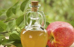 Naturalny tonik z octu jabłkowego do cery tłustej