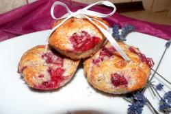 Malinowa słodycz - waniliowe muffinki z białą czekoladą i malinami !