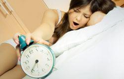 7 powodów, dlaczego tak ciężko wstać Ci z łóżka