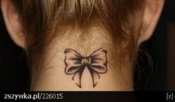 Tatuaż z kokardką