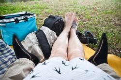 Deszczowy piknik z truskawkami
