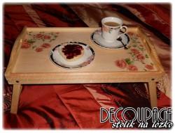 Stolik decoupage - róże