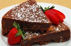 Przepis na urodzinowy tort czekoladowy