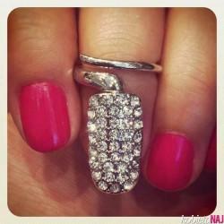 paznokciowy pierścionek;-)