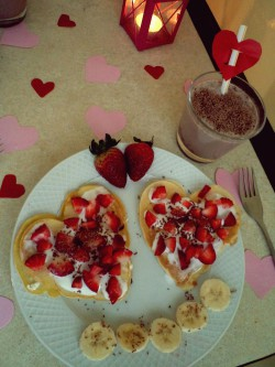 Miłosne śniadanie- naleśniki serca :)