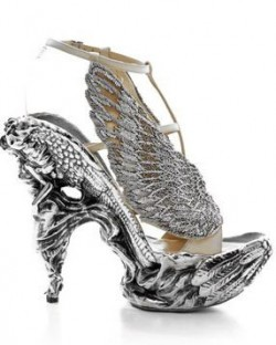 skrzydlate buty