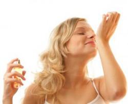 Jak używać perfum we właściwy sposób?
