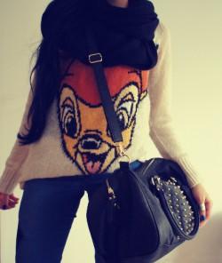 Sweterek Bambi.
