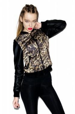 Misbehave leopard varsity jacket czy StaffbyMaff rhombus jacket
