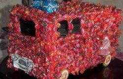 Wóz strażacki z cukierków