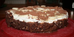 Tarta ciasteczkowa+karmel+bita śmietana+ banany