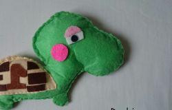 Żółwik mały :)