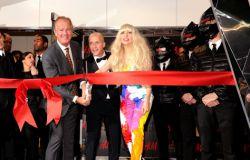 Lady gaga i otwarcie na times square w nowym Yorku butiku H&M