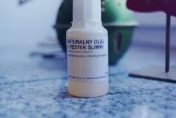 olej z pestek śliwki, włosy i skóra