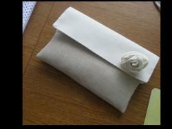 kremowo beżowa kopertówka