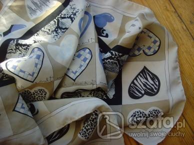Chusty i apaszki apaszka w serduszka