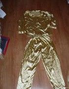 śliczna złota piżama