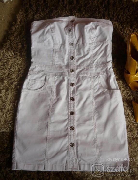 Sliczna biała sukienka