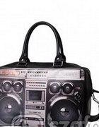 Flo boombox radio retro oldschool emo