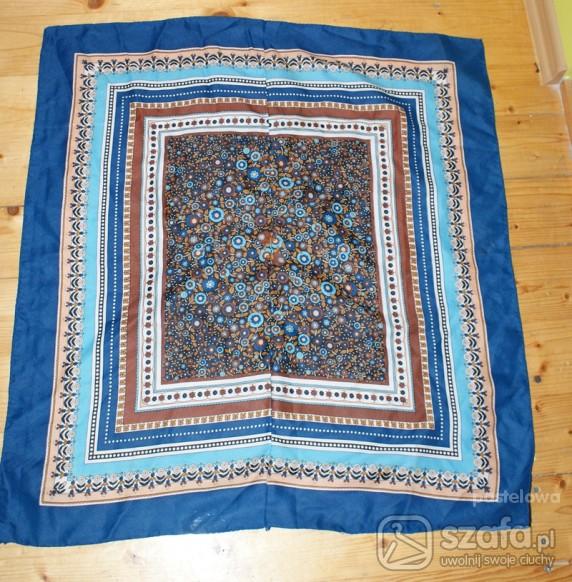Chusty i apaszki piękna niebiesko brązowa chusta