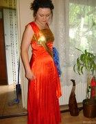 Czarwona suknia