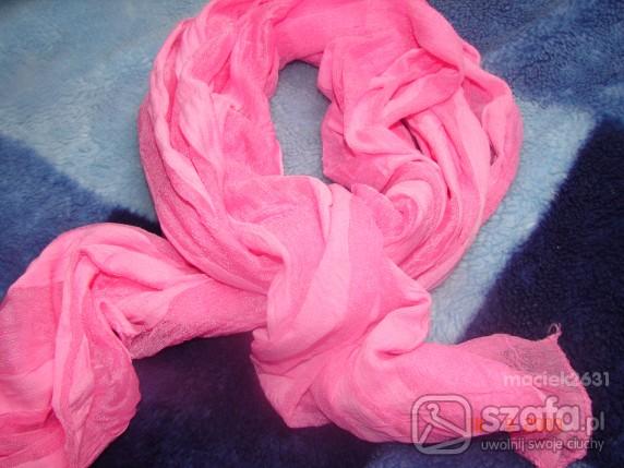 Chusty i apaszki rozowa apaszka szal