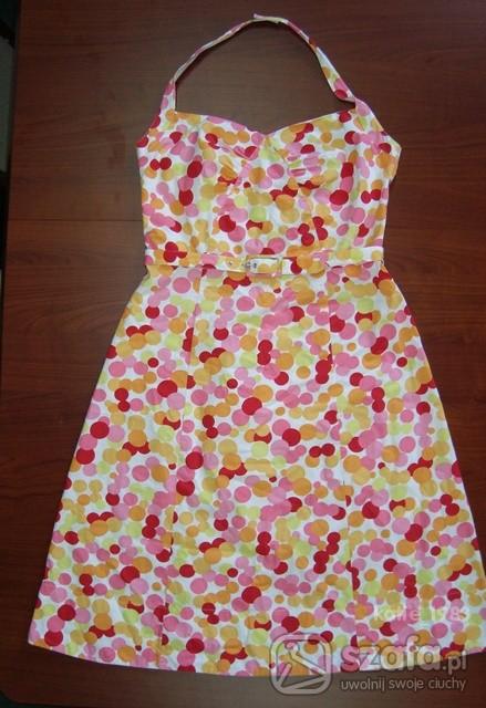 Suknie i sukienki w kolorowe grochy