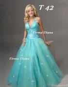 Prześliczna sukienka w kolorze morskim