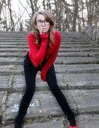 czerwono mi spodnie kardigan i butyy...