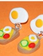 Kanapki jajko sadzone wesołe kolczyki fimo