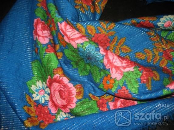 Chusty i apaszki chusta w kwiaty