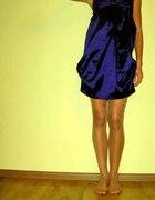 Satynowa sukienka...