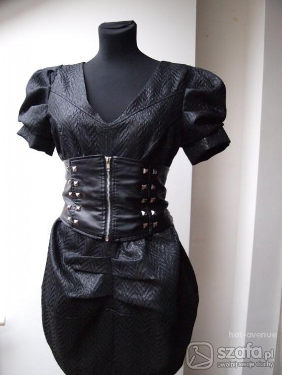 Eleganckie sukienka szerokim pasem max mara