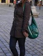 brązowy płaszczyk