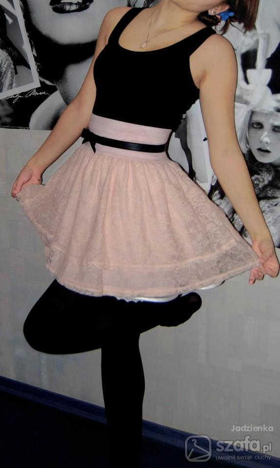 Mój styl Pudrowo różowo
