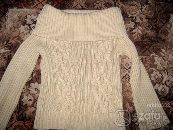 Swetry Cieplutki sweterek