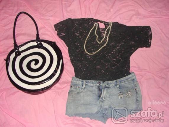 Mój styl koronkowa bluzeczka i dżinsy