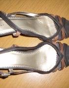 niepowtarzalne sandałki rozmiar 39