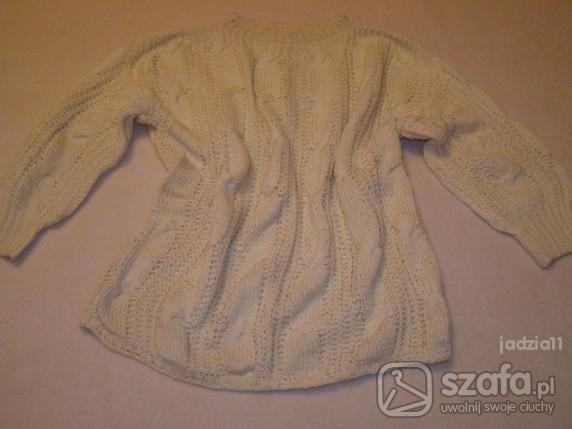Swetry jasny sweterek we wzorki