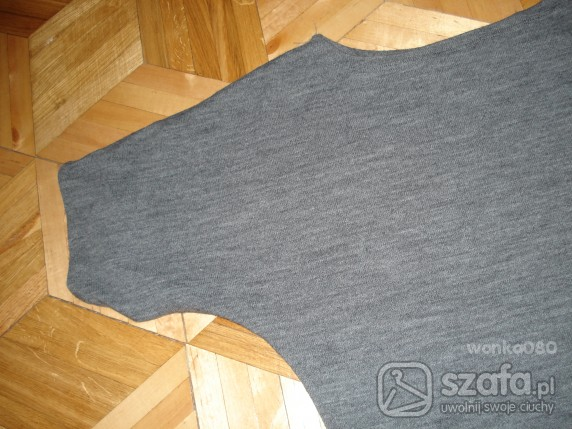 Swetry Szara dzianinowa bluzeczka