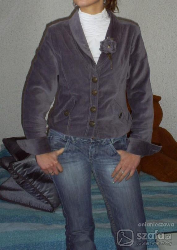 Do pracy Marynarka plus jeansy