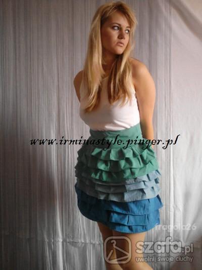 Eleganckie sukienka z falbanami
